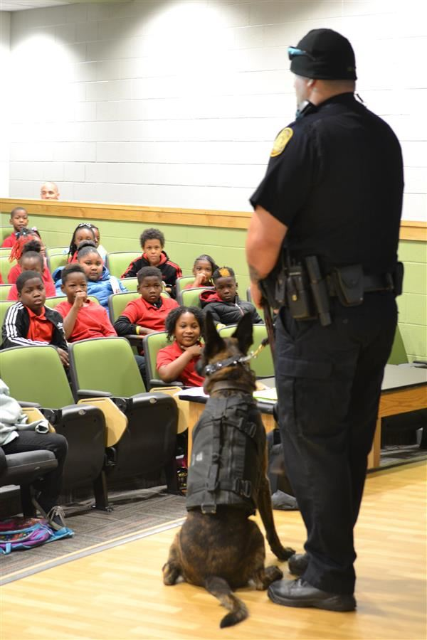 Norfolk Police Department's K-9 Officers visit our School