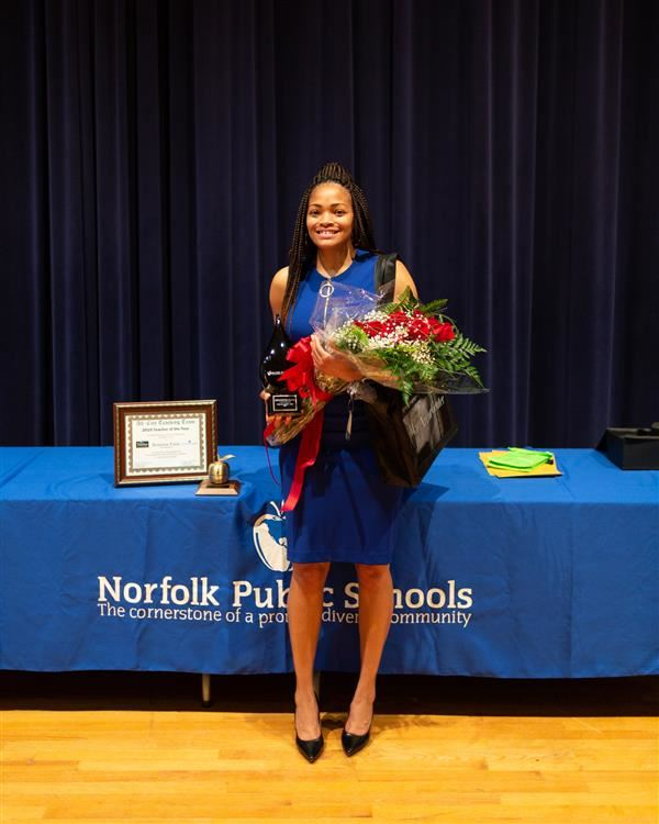 Kenyetta Vann named NPS' 2019 Teacher of the Year