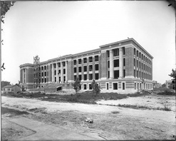 Maury High School under construction in 1910.