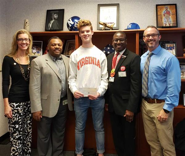 Norview Student Receives Award