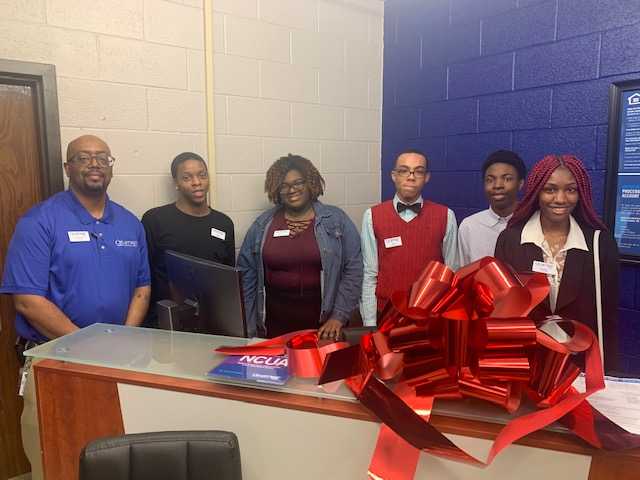 Booker T. Washington's Student Run Credit Union is Open for Business!